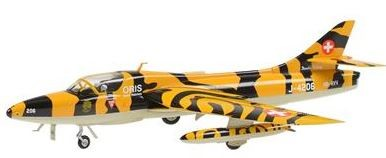 Picture of Hawker Hunter MK68 Metallmodell 1:72 Doppelsitzer im Tigerlook Staffel 11
